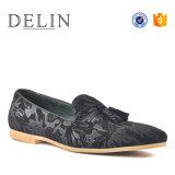 2018 новых текстур материалов мужчин кожаную обувь Nice качества