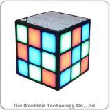 На кубический наилучшее качество звука мини-гарнитуры Bluetooth для мобильных устройств с помощью светодиодной подсветки