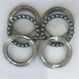 Um rolamento de esferas de plástico 52213