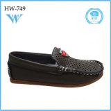 Zapatos ocasionales del modelo nuevo de la manera de la alta calidad altos para el niño