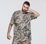 호리호리한 위장 t-셔츠를 착용하 저항하는 짧은 소매를 인쇄하는 늦여름 승화