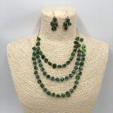 Perles de calques et collier en chaîne et bijoux avec pierre rouge par artisanat
