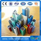Buntes Aluminiumstrangpresßling-Profil in der Unterschied-Oberflächenbehandlung