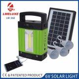 3개의 LED 전구를 가진 가정 태양계