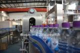 Remplissage de l'eau de nature et machine à emballer automatiques