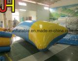 Heißer Verkaufs-blauer und gelber aufblasbarer Wasser-Klecks für das Springen
