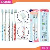 Toothbrush adulto com as cerdas macias delgadas super 2 em 1 bloco 705 da economia