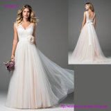 Vollkommenes Romance Hochzeits-Kleid mit der Kaskade von Tulle gürtete an der Taille