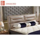 Schede cape del re Size Bed con il blocco per grafici completo della base