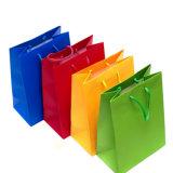 Разные виды бумажных рециркулированных мешков для муки упаковывая, обваливают бумажный мешок в сухарях