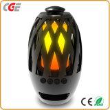 BluetoothのスピーカーLEDの屋外のポータブルLEDの炎ライトを使って