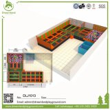 大人のための設計されていた巨大な屋内商業トランポリン公園を放しなさい
