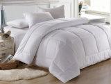 Het Bed van /Cotton van het Linnen van /Bed van de Dekking van het dekbed/van de Dekking van het Dekbed voor VijfsterrenHotel wordt geplaatst dat