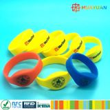 NFC NTAG21X impermeabilizan el Wristband del silicón RFID para Waterpark