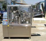 Machine de remplissage liquide automatique de bonne qualité avec le remplissage à piston