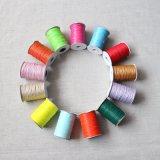 2018 Commerce de gros des couleurs personnalisées ciré polyester tressé cordon de ficelle