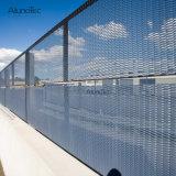 粉のコーティングの壁の機密保護の塀のためのアルミニウム金網