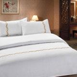 極度の柔らかいホーム寝具は100%年の綿の白いシートをセットされてセットした(JRD811)