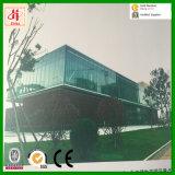 На заводе поставщика сегменте панельного домостроения в стальные конструкции здание со стеклянным наружной стены