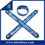 Wristband attraente del silicone di schiaffo dell'OEM di modo, braccialetto, elastico con il marchio su ordinazione