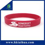 Progettare le fasce per il cliente/elastico del Wristband del silicone/braccialetto/con Debossed Inchiostro-Riempito