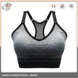 La mujer de desgaste de ropa deportiva Fitness gimnasio yoga