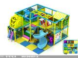 海洋の主題の子供の屋内柔らかい運動場領域の運動場