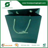 Bolsa de papel impresa insignia del regalo de Custome que hace compras con la maneta