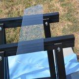 穴、ラウンド・コーナが付いている3-12mmの家具の緩和されたガラスの棚