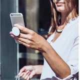 最も新しく適用範囲が広い携帯電話のホールダー