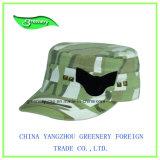 Gorra militar de color negro con una etiqueta tejida bordados