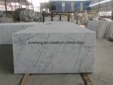安い価格の高品質のカラーラ白いGuangxiの白い大理石のタイル