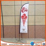 Drapeau de la bannière promotionnelle extérieure verticale avec pôle
