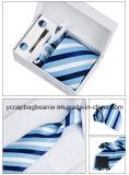 Première cravate d'hommes de boutique de classe