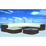 Le sofa moderne de jardin de rotin de PE de type a placé avec le repose-pieds