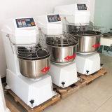 Miscelatore multifunzionale professionale per uso della cucina