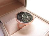 銅質女性のためのローズの金によってめっきされるめっきのモップのシェルのリングをくり抜きなさい