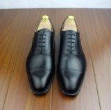 Zapatos de cuero hechos a mano para los hombres, zapatos negros formales de Oxford