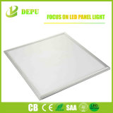 Luz de painel lisa do diodo emissor de luz do TUV RoHS Ugr Below19 2X2 2X4 1X4 do Ce de China 100lm/W