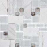 ヘリンボンガラスおよび石の大理石のタイルのモザイク模様