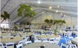 Ridge-grosses Festzelt-Hochzeits-Zelt mit dem Bodenbelag und der Dekoration