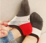 Mosaik-Farben-Soem gekämmte Baumwollgleitschutzknöchel-Socke