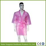 Kimono non tissé jetable, manteau SPA avec couleur rose