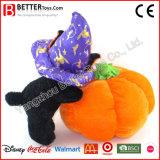 Halloweenはおもちゃのプラシ天の柔らかい猫およびカボチャを詰めた