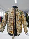 Desgaste de la caza de safari en el exterior de tela acolchada chaqueta