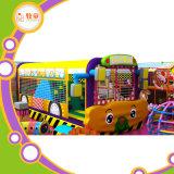 Do PVC macio do campo de jogos e do Trampoline dos miúdos internos do jardim de infância corrediça