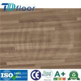 100 % étanche Revêtement de sol en vinyle PVC Cliquez sur les planches de plancher en PVC