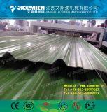 Un macchina/espulsore ondulati delle mattonelle di tetto del PVC di strato