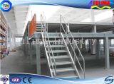 Plataforma de acero galvanizada con las barandillas