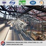 Estádio da construção de aço com projeto moderno